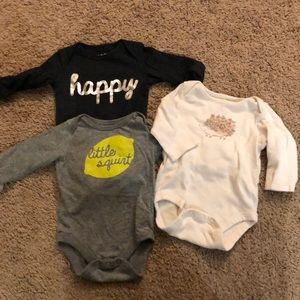 3 pack long sleeved body suits- 3 months